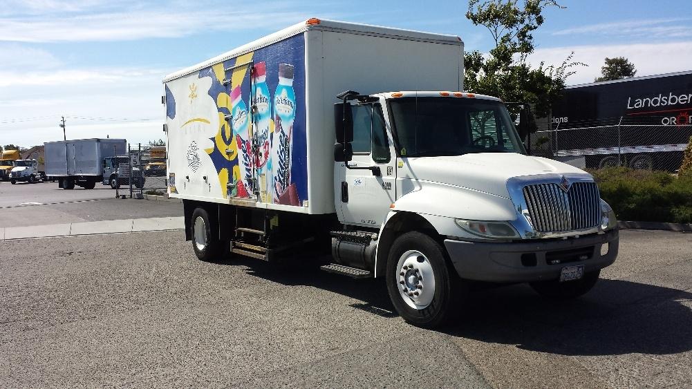 Cold Plate-Light and Medium Duty Trucks-International-2006-4300-HAYWARD-CA-159,871 miles-$18,000
