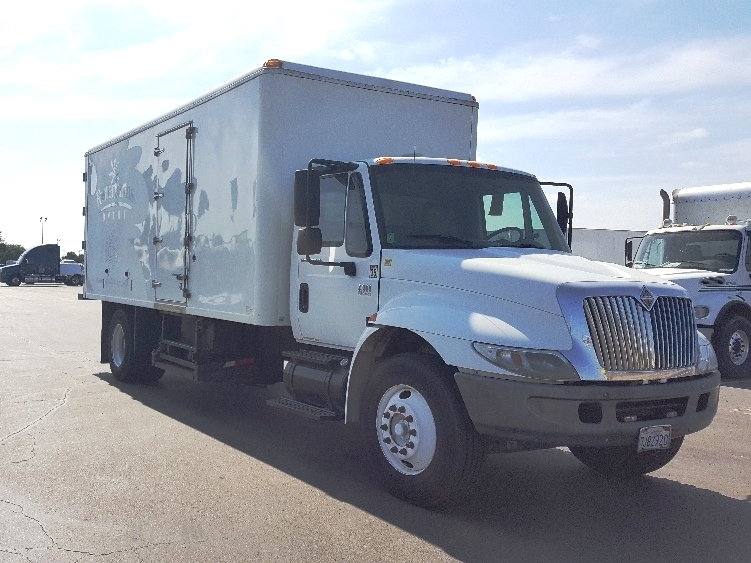 Cold Plate-Light and Medium Duty Trucks-International-2005-4300-FRESNO-CA-189,950 miles-$13,500