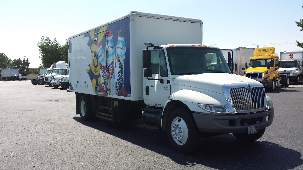 Cold Plate-Light and Medium Duty Trucks-International-2006-4300-WEST SACRAMENTO-CA-195,047 miles-$13,750