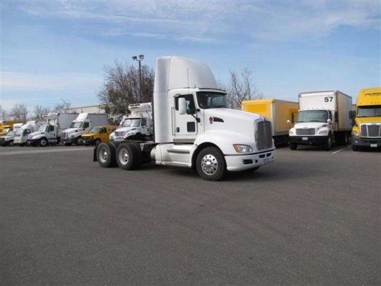 Day Cab Tractor-Heavy Duty Tractors-Kenworth-2009-T660-WEST SACRAMENTO-CA-693,610 miles-$29,750