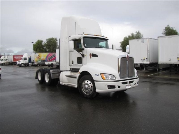Day Cab Tractor-Heavy Duty Tractors-Kenworth-2009-T660-WEST SACRAMENTO-CA-749,039 miles-$25,500