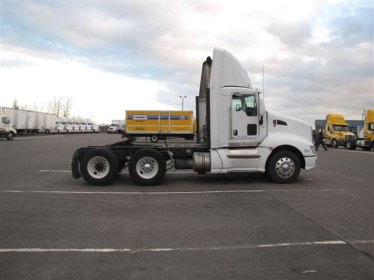 Day Cab Tractor-Heavy Duty Tractors-Kenworth-2009-T660-WEST SACRAMENTO-CA-767,767 miles-$26,250