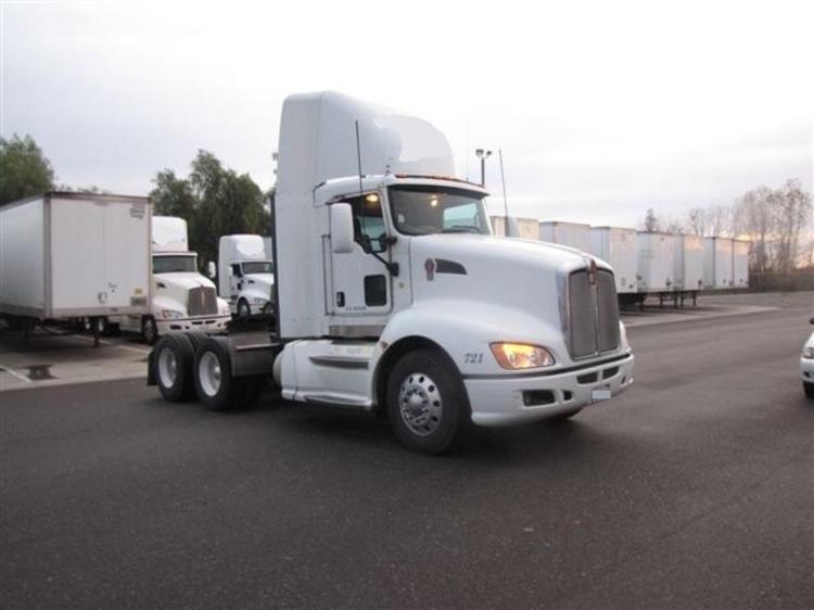 Day Cab Tractor-Heavy Duty Tractors-Kenworth-2009-T660-WEST SACRAMENTO-CA-809,939 miles-$23,750