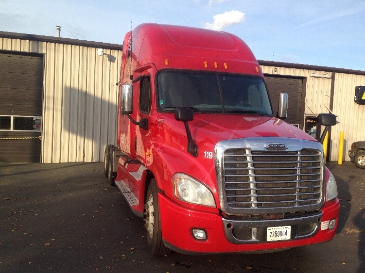 Sleeper Tractor-Heavy Duty Tractors-Freightliner-2011-Cascadia 12564ST-PORTLAND-OR-717,622 miles-$40,000