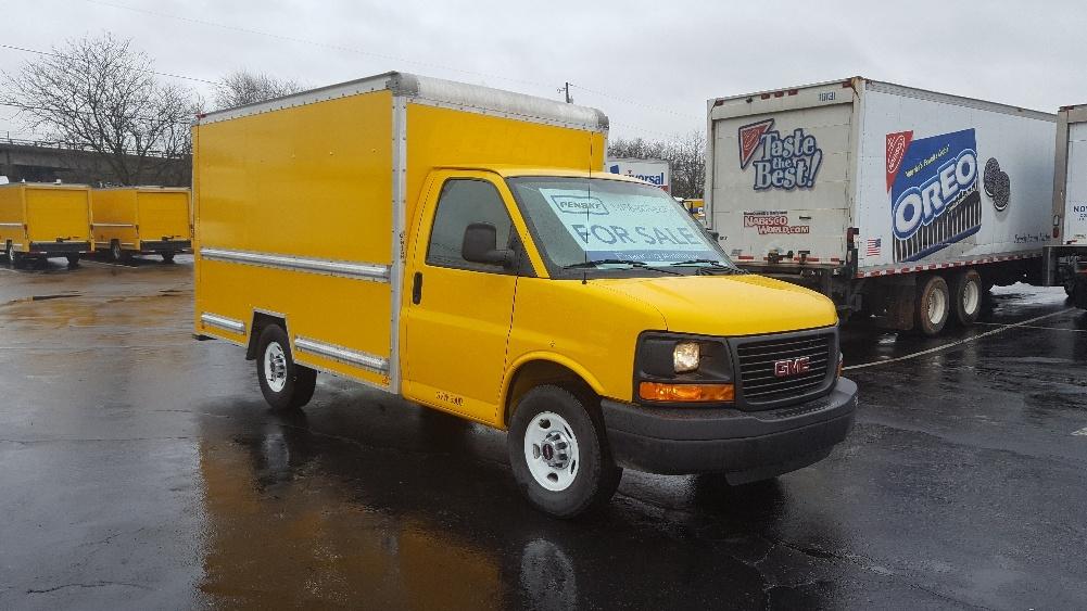 Light Duty Box Truck-Light and Medium Duty Trucks-GMC-2013-Savana G33503-LOUISVILLE-KY-110,889 miles-$15,000