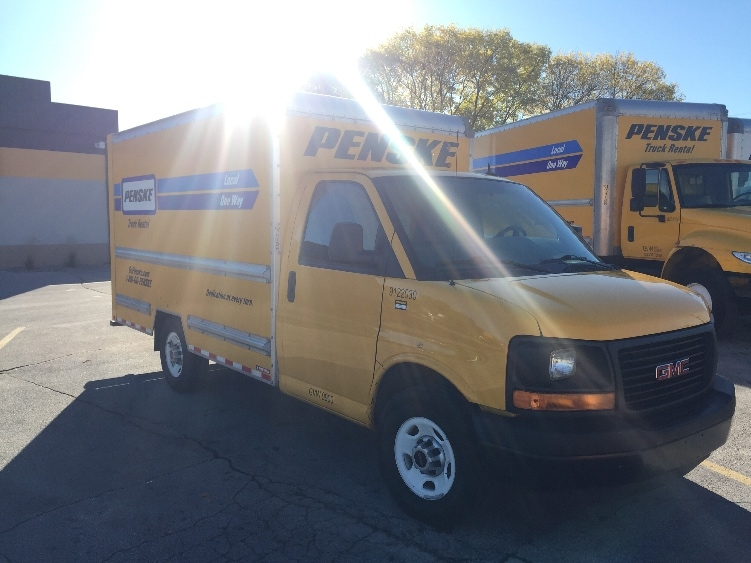 Light Duty Box Truck-Light and Medium Duty Trucks-GMC-2015-Savana G33503-DES MOINES-IA-66,883 miles-$23,750