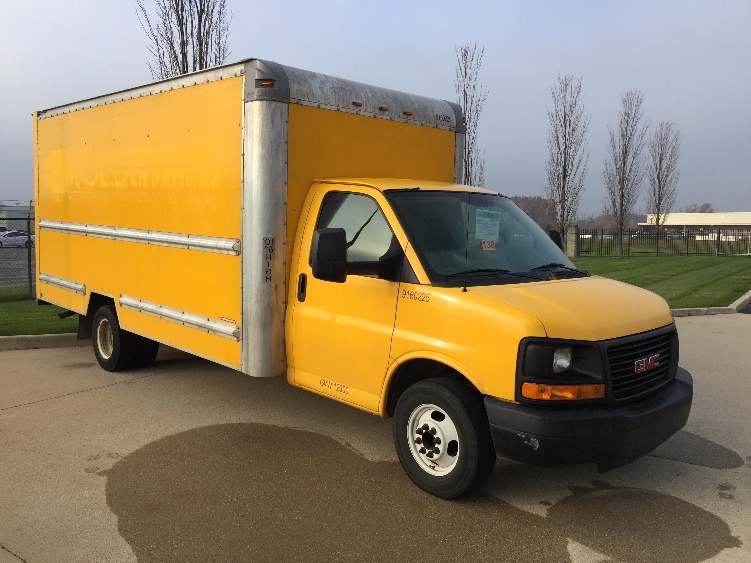 Light Duty Box Truck-Light and Medium Duty Trucks-GMC-2012-Savana G33903-WARREN-MI-121,948 miles-$13,250