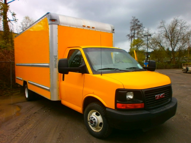 Light Duty Box Truck-Light and Medium Duty Trucks-GMC-2013-Savana G33903-SPRINGFIELD-OR-122,683 miles-$15,000