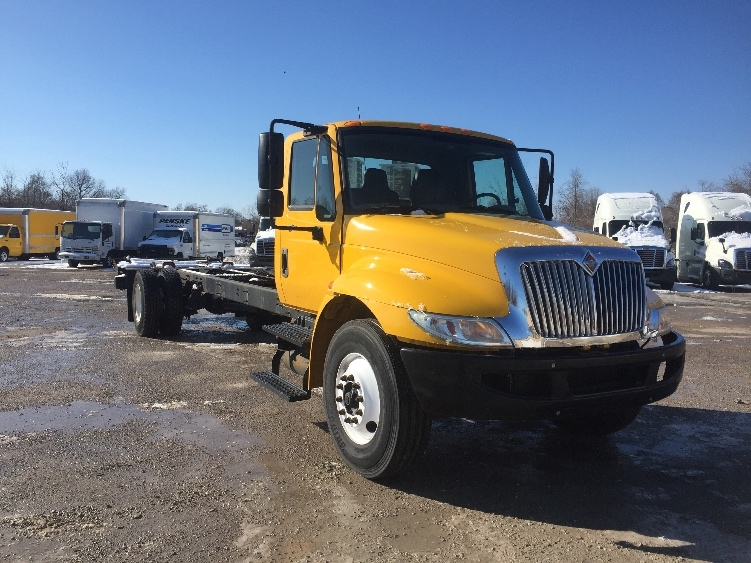 Cab and Chassis Truck-Light and Medium Duty Trucks-International-2013-4300-POPLAR BLUFF-MO-133,461 miles-$24,000