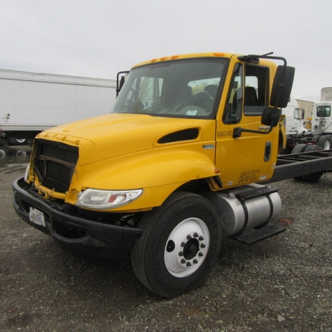 Medium Duty Box Truck-Light and Medium Duty Trucks-International-2013-4300-SAN LEANDRO-CA-141,225 miles-$12,000