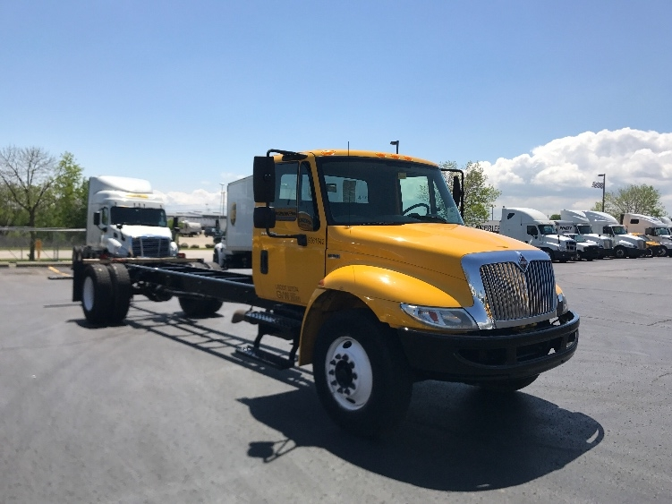 Cab and Chassis Truck-Light and Medium Duty Trucks-International-2013-4300-MILWAUKEE-WI-175,949 miles-$24,500