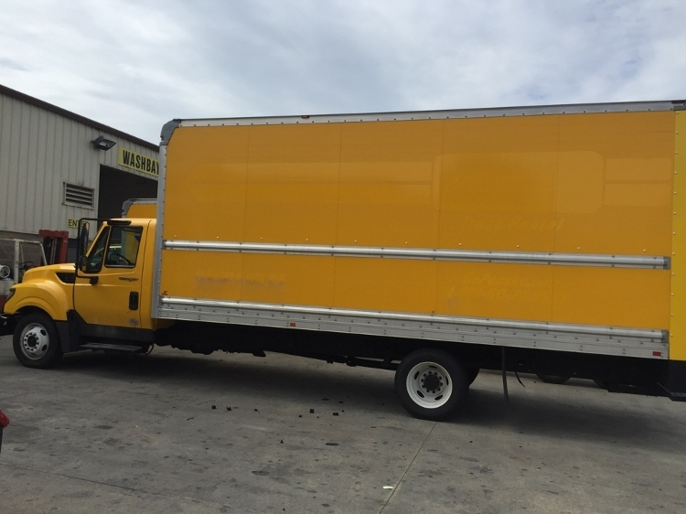 Medium Duty Box Truck-Light and Medium Duty Trucks-International-2014-TERASTAR-SACRAMENTO-CA-112,931 miles-$13,500
