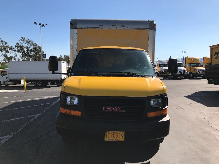 Light Duty Box Truck-Light and Medium Duty Trucks-GMC-2009-Savana G33903-TORRANCE-CA-78,537 miles-$14,250