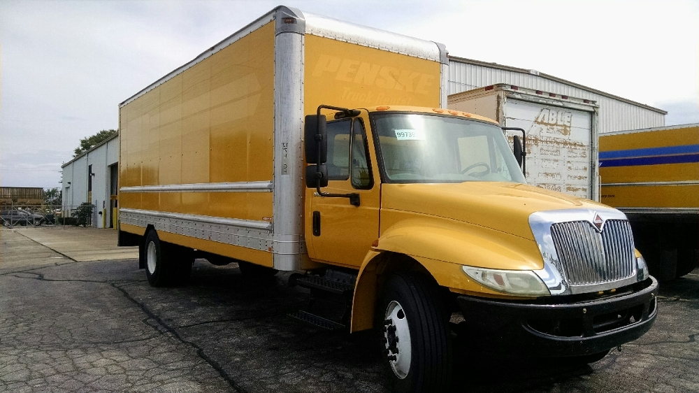 Medium Duty Box Truck-Light and Medium Duty Trucks-International-2011-4300-ROCKFORD-IL-185,887 miles-$8,000