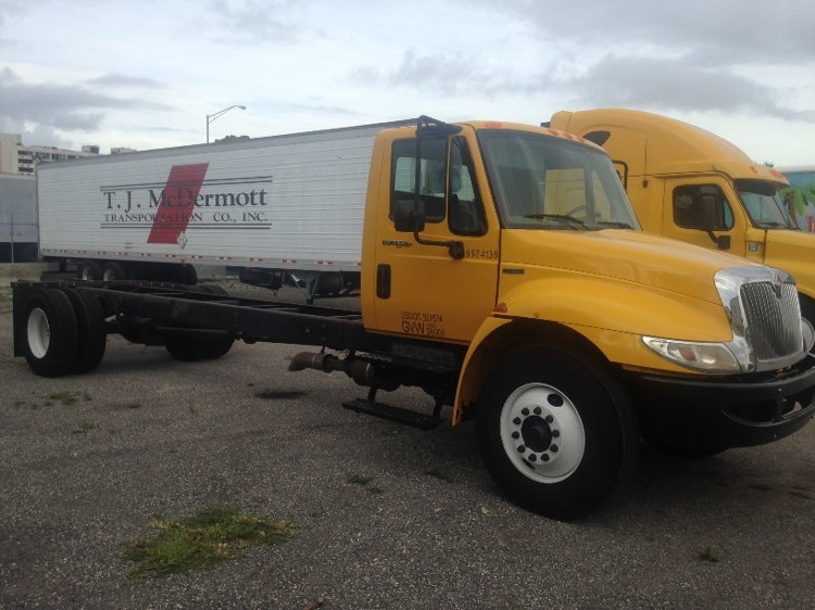 Cab and Chassis Truck-Light and Medium Duty Trucks-International-2011-4300-MIAMI-FL-206,036 miles-$18,250