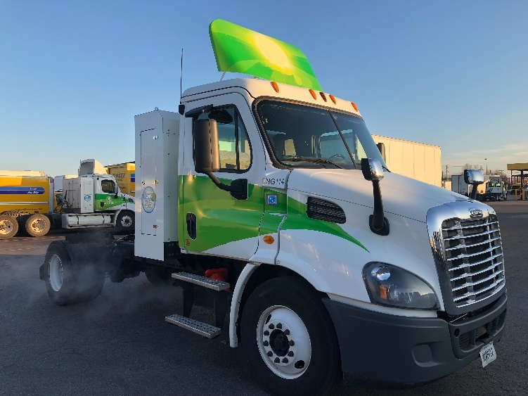 Day Cab Tractor-Heavy Duty Tractors-Freightliner-2014-Cascadia 11342ST-OKLAHOMA CITY-OK-302,414 miles-$66,000