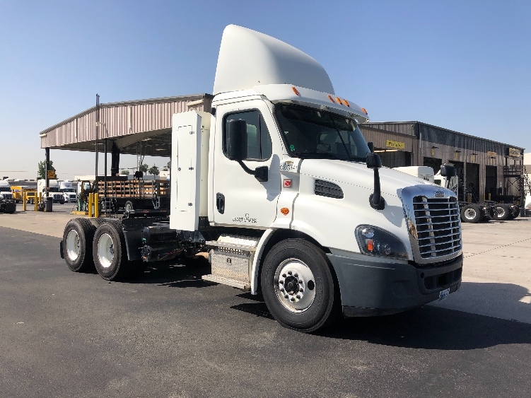 Day Cab Tractor-Heavy Duty Tractors-Freightliner-2015-Cascadia 11364ST-FONTANA-CA-72,766 miles-$121,750
