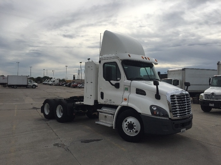 Day Cab Tractor-Heavy Duty Tractors-Freightliner-2015-Cascadia 11364ST-COLUMBUS-OH-48,198 miles-$102,750