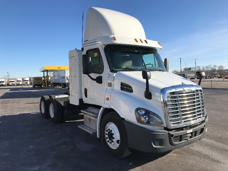 Used Day Cab Tractors For Sale in PA - Penske Used Trucks