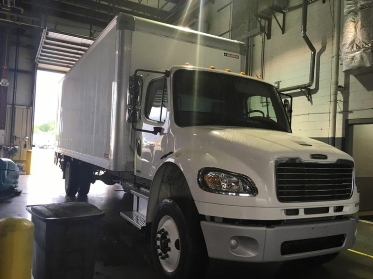 Medium Duty Box Truck-Light and Medium Duty Trucks-Freightliner-2012-M2-CHESAPEAKE-VA-133,221 miles-$35,000