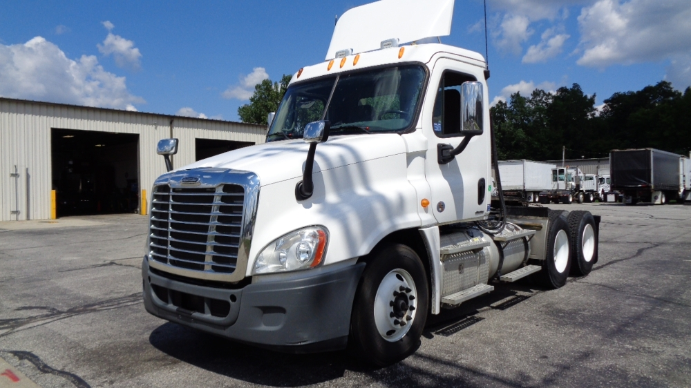 Day Cab Tractor-Heavy Duty Tractors-Freightliner-2012-Cascadia 12564ST-ELKHART-IN-291,171 miles-$44,750