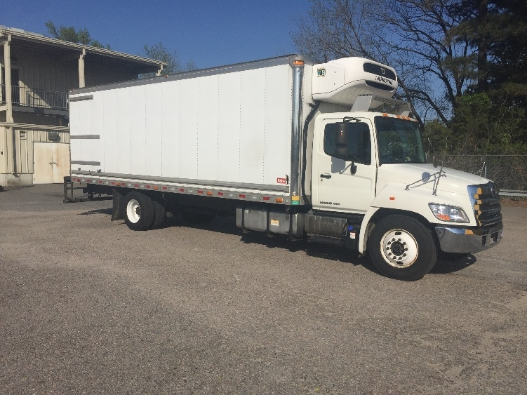 Reefer Truck-Light and Medium Duty Trucks-Hino-2013-338-CHESAPEAKE-VA-271,558 miles-$28,500