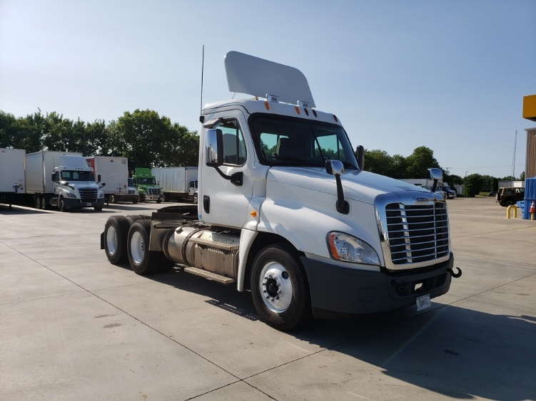 Day Cab Tractor-Heavy Duty Tractors-Freightliner-2013-Cascadia 12564ST-GOSHEN-IN-151,360 miles-$47,750