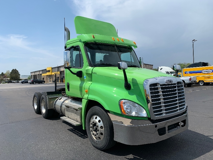 Day Cab Tractor-Heavy Duty Tractors-Freightliner-2013-Cascadia 12564ST-ELKHART-IN-203,632 miles-$43,250