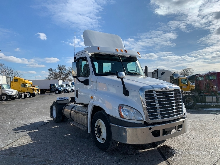 Day Cab Tractor-Heavy Duty Tractors-Freightliner-2013-Cascadia 12542ST-ELKHART-IN-338,448 miles-$37,000