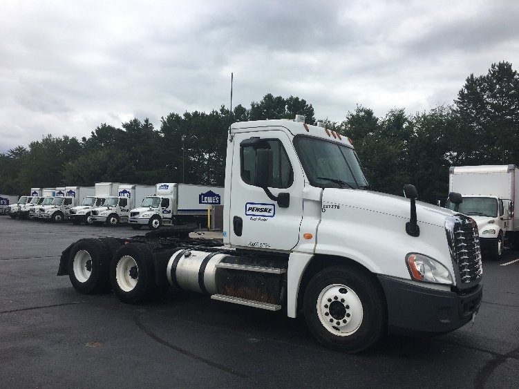 Day Cab Tractor-Heavy Duty Tractors-Freightliner-2013-Cascadia 12564ST-WINSTON SALEM-NC-312,384 miles-$46,000