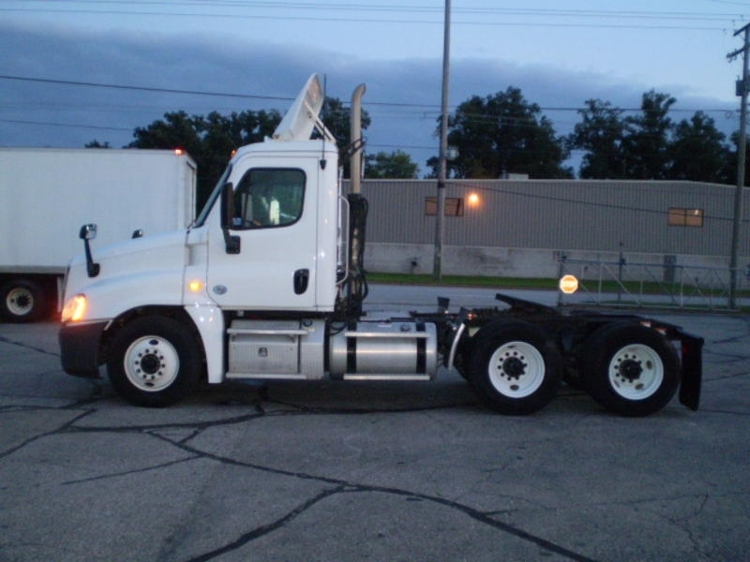 Day Cab Tractor-Heavy Duty Tractors-Freightliner-2013-Cascadia 12564ST-ELKHART-IN-275,017 miles-$52,000