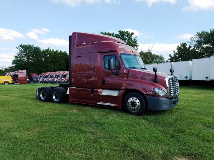 Sleeper Tractor-Heavy Duty Tractors-Freightliner-2014-Cascadia 12564ST-SPRINGFIELD-MO-446,175 miles-$56,250