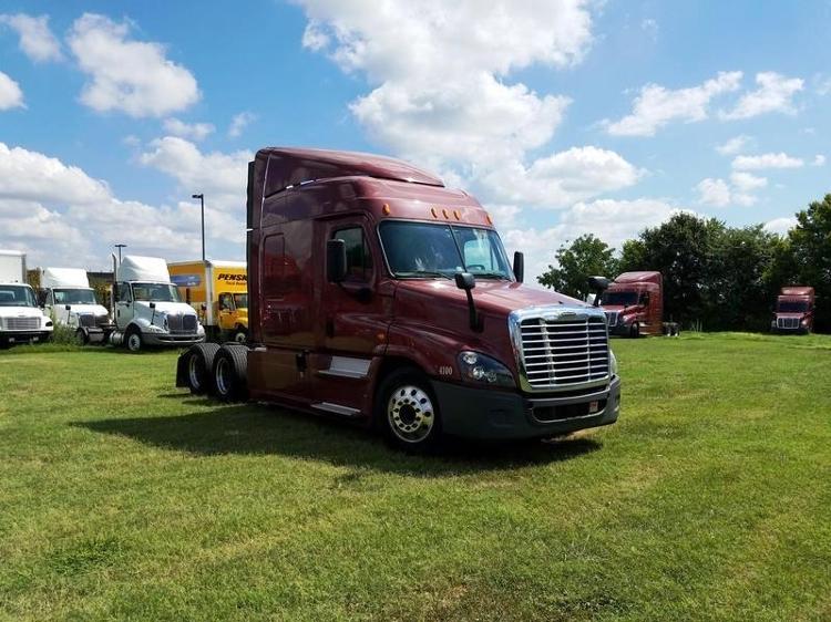 Sleeper Tractor-Heavy Duty Tractors-Freightliner-2014-Cascadia 12564ST-SPRINGFIELD-MO-447,888 miles-$56,000