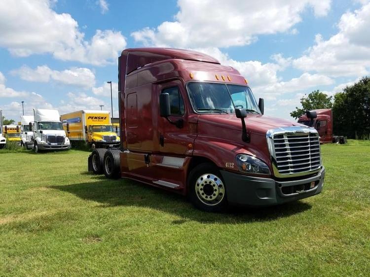Sleeper Tractor-Heavy Duty Tractors-Freightliner-2014-Cascadia 12564ST-SPRINGFIELD-MO-482,424 miles-$54,250