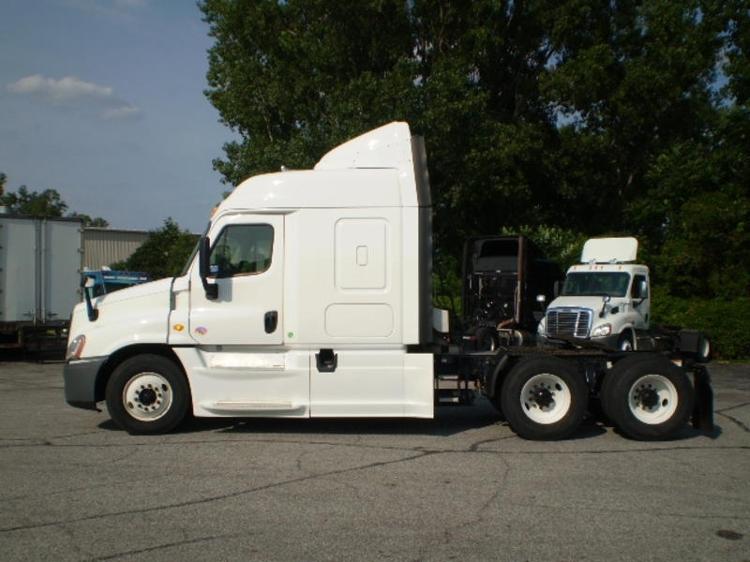 Sleeper Tractor-Heavy Duty Tractors-Freightliner-2014-Cascadia 12564ST-ELKHART-IN-269,813 miles-$65,500