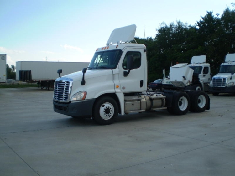 Day Cab Tractor-Heavy Duty Tractors-Freightliner-2014-Cascadia 12564ST-GOSHEN-IN-224,781 miles-$63,250
