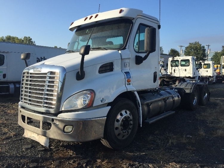 Day Cab Tractor-Heavy Duty Tractors-Freightliner-2016-X11362ST-CHARLOTTE-NC-361,364 miles-$48,500