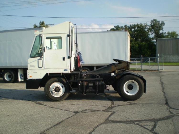 Yard Truck-Heavy Duty Tractors-Ottawa-2002-YT30-ELKHART-IN-27,291 miles-$22,000