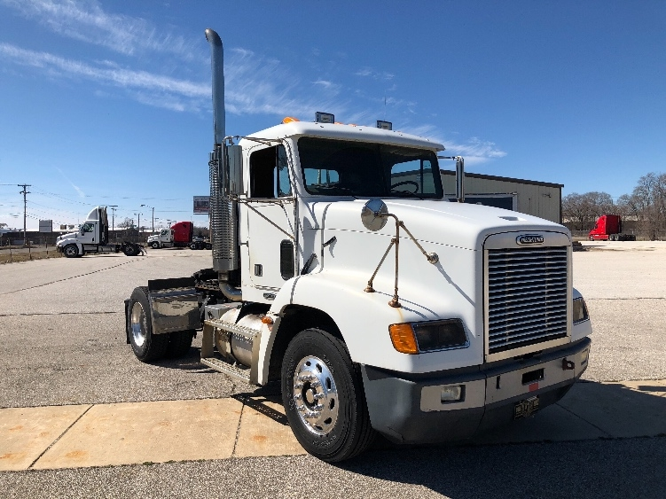 Day Cab Tractor-Heavy Duty Tractors-Freightliner-2003-D11242ST-ELKHART-IN-385,220 miles-$15,000