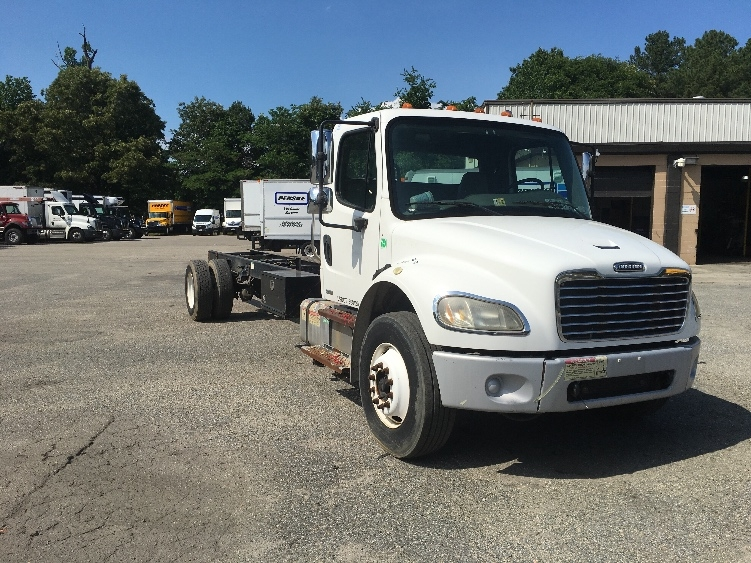 Cab and Chassis Truck-Light and Medium Duty Trucks-Freightliner-2007-M2-RICHMOND-VA-203,790 miles-$18,250