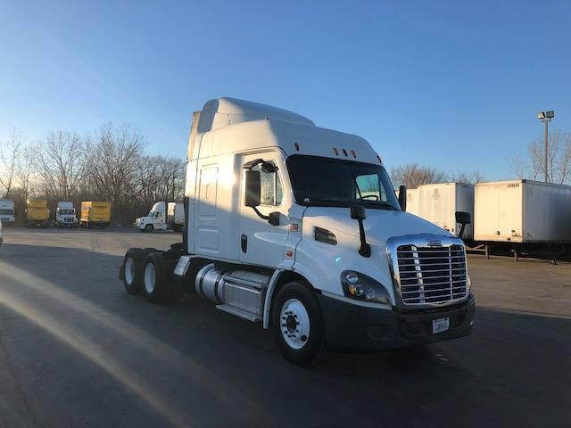 Sleeper Tractor-Heavy Duty Tractors-Freightliner-2016-Cascadia 11364ST-TYLER-TX-306,397 miles-$65,500
