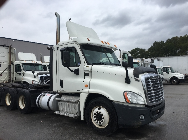 Day Cab Tractor-Heavy Duty Tractors-Freightliner-2012-Cascadia 12564ST-DELTA-BC-573,000 km-$55,250