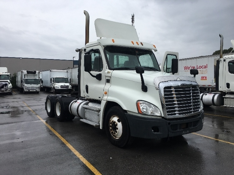 Day Cab Tractor-Heavy Duty Tractors-Freightliner-2012-Cascadia 12564ST-DELTA-BC-575,945 km-$38,000