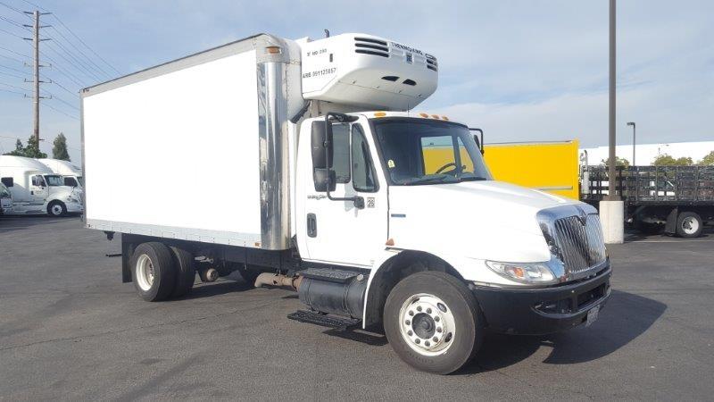 Reefer Truck-Light and Medium Duty Trucks-International-2010-4300LP-TORRANCE-CA-165,721 miles-$31,750