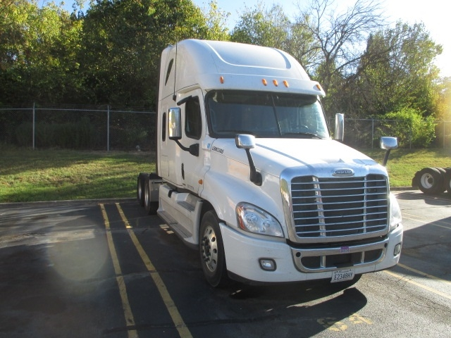 Sleeper Tractor-Heavy Duty Tractors-Freightliner-2012-Cascadia 12564ST-MORRISTOWN-TN-139,199 miles-$65,000
