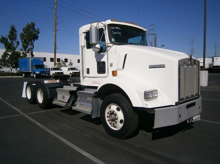 Day Cab Tractor-Heavy Duty Tractors-Kenworth-2011-T800-TORRANCE-CA-144,279 miles-$49,000