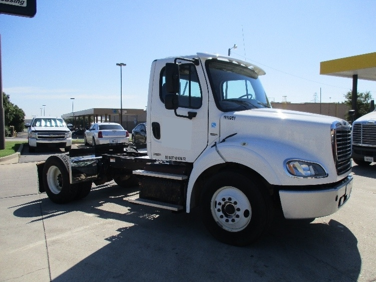 Day Cab Tractor-Heavy Duty Tractors-Freightliner-2011-M211242S-OKLAHOMA CITY-OK-231,580 miles-$37,750