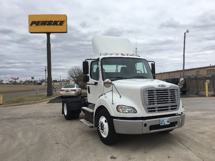 Day Cab Tractor-Heavy Duty Tractors-Freightliner-2013-M211242S-OKLAHOMA CITY-OK-106,909 miles-$39,500