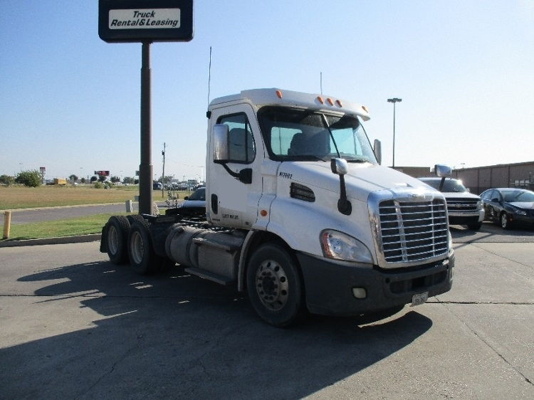 Day Cab Tractor-Heavy Duty Tractors-Freightliner-2011-Cascadia 11364ST-OKLAHOMA CITY-OK-292,977 miles-$35,000