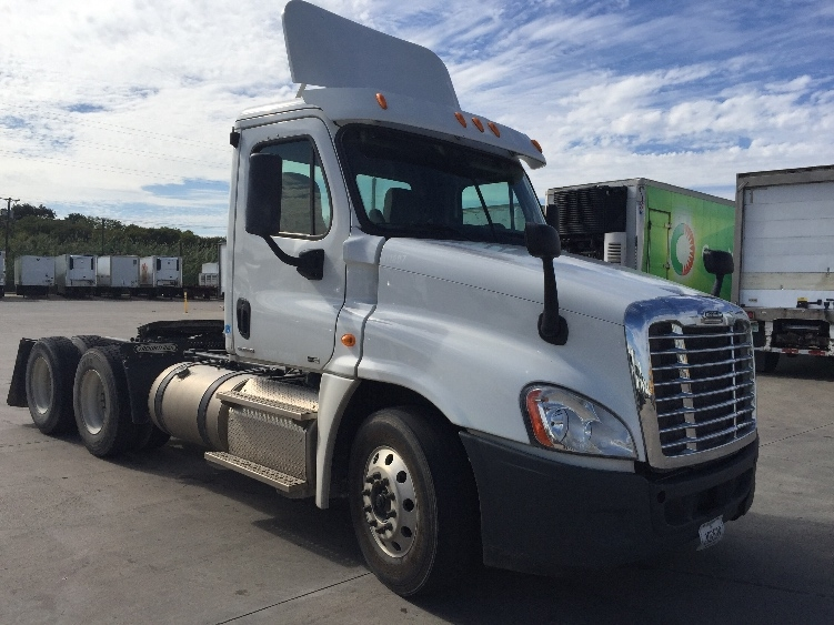 Day Cab Tractor-Heavy Duty Tractors-Freightliner-2011-Cascadia 12564ST-FORT WORTH-TX-194,656 miles-$53,500